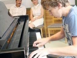 Köztársasági elnöki támogatás - zongora